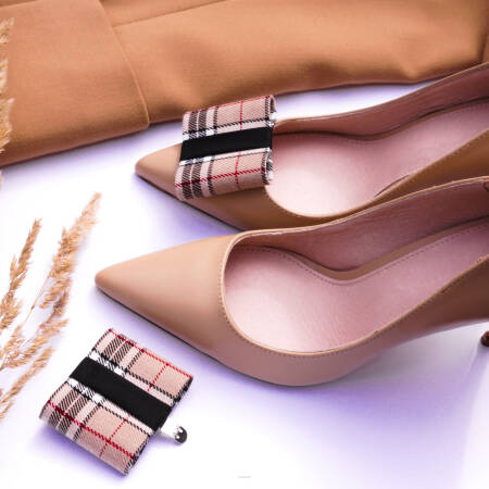 Klipsy do butów FLAT / a'la Burberry
