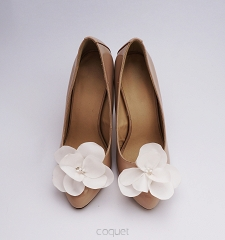 Delicate Flower / Ivory